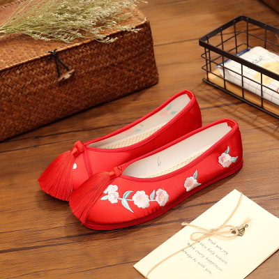 桃花老北京新娘鞋手工绣花婚鞋红色秀禾鞋子千层底中式平底跟布鞋