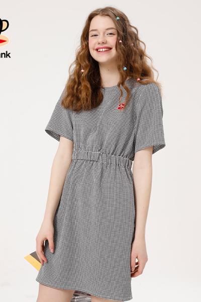 PaulFrank/大嘴猴2019夏季新款格子收腰短袖修身圆领中长连衣裙女