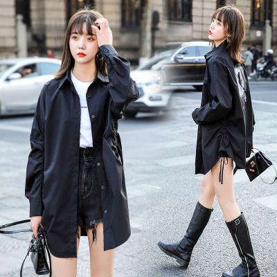 愫惠君2020春季新款女裝中長款休閑單排多扣時尚潮流襯衫H-JQHY6252