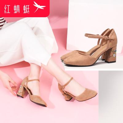 红蜻蜓女鞋春季一字扣单鞋绒面绣花女鞋子气质优雅粗跟浅口高跟鞋